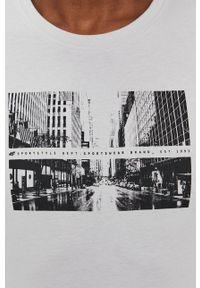 4f - 4F - T-shirt. Okazja: na co dzień. Kolor: szary. Materiał: dzianina. Wzór: nadruk. Styl: casual