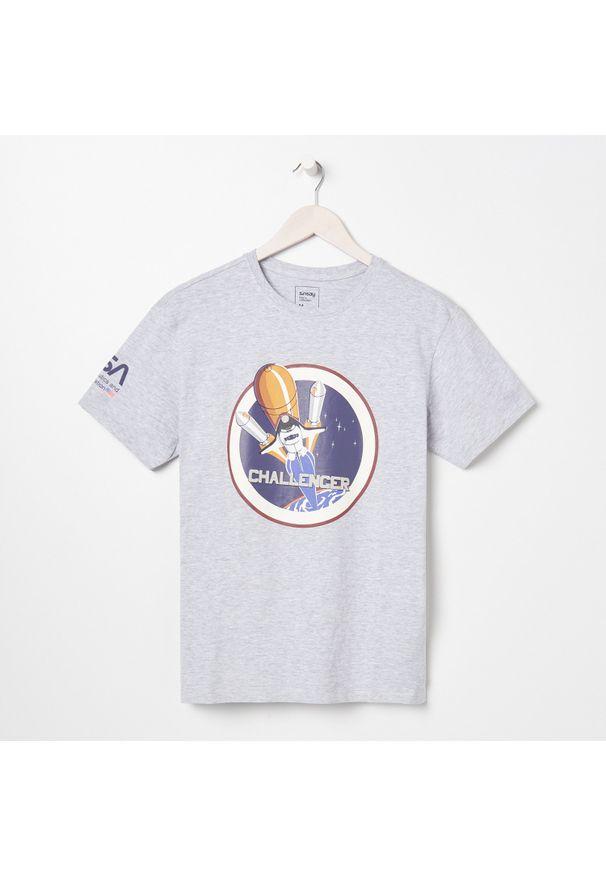 Sinsay - Koszulka NASA - Jasny szary. Kolor: szary