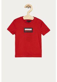 Czerwony t-shirt TOMMY HILFIGER na co dzień, casualowy, z nadrukiem