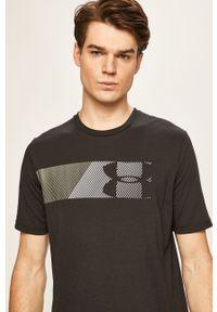 Czarny t-shirt Under Armour z nadrukiem