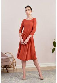 Marie Zélie - Sukienka Limosa Tabasco. Materiał: wiskoza, dzianina, materiał, elastan. Długość: midi