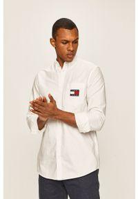 Biała koszula Tommy Jeans na co dzień, casualowa