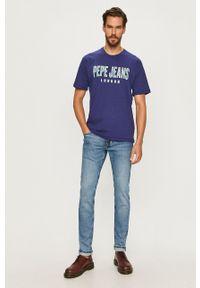Pepe Jeans - T-shirt Salvador. Okazja: na co dzień. Kolor: niebieski. Materiał: dzianina. Wzór: aplikacja. Styl: casual