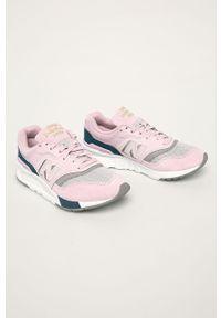 Różowe buty sportowe New Balance z okrągłym noskiem, z cholewką, na sznurówki