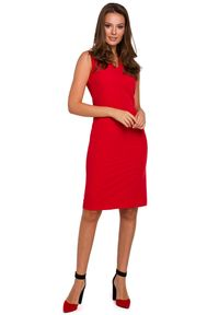 Makover - Klasyczna elegancka sukienka midi z dekoltem V. Okazja: do pracy, na imprezę, na randkę. Długość rękawa: bez rękawów. Styl: klasyczny, elegancki. Długość: midi