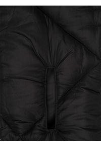 Czarny szalik TOP SECRET elegancki, w kolorowe wzory