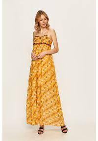Pepe Jeans - Sukienka Angie. Okazja: na co dzień. Materiał: tkanina. Wzór: aplikacja. Typ sukienki: proste. Styl: casual