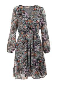 Born2be - Czarna Sukienka Sylena. Kolor: czarny. Materiał: tkanina, materiał. Długość rękawa: długi rękaw. Wzór: kwiaty, aplikacja, kolorowy. Typ sukienki: kopertowe. Długość: mini