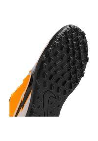 Buty piłkarskie dla dzieci turfy Nike Mercurial Vapor 13 Club TF AT8177. Materiał: syntetyk, guma, skóra. Szerokość cholewki: normalna. Sport: piłka nożna