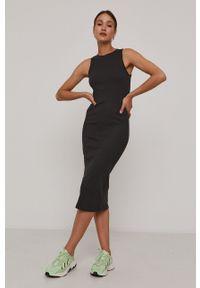 Vero Moda - Sukienka. Kolor: szary. Materiał: bawełna, dzianina, materiał. Długość rękawa: na ramiączkach. Wzór: gładki. Typ sukienki: dopasowane