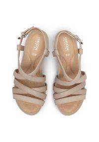 Beżowe sandały Geox casualowe, na co dzień