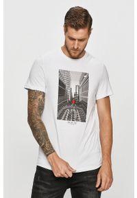 Biały t-shirt 4f na co dzień, casualowy