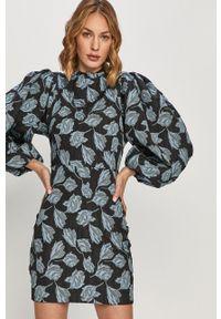 Samsoe & Samsoe - Samsoe Samsoe - Sukienka Harriet. Okazja: na co dzień. Kolor: niebieski. Długość rękawa: długi rękaw. Typ sukienki: proste. Styl: casual
