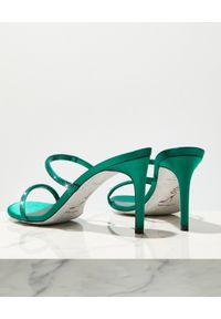 RENE CAOVILLA - Zielone sandały na szpilce Bessie. Zapięcie: pasek. Kolor: zielony. Materiał: jedwab, satyna. Wzór: paski, aplikacja. Obcas: na szpilce. Wysokość obcasa: średni #4