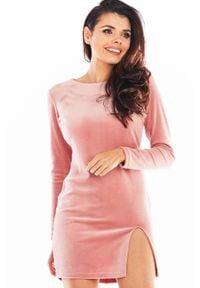 Awama - Ołówkowa Mini Sukienka Welurowa z Rozporkiem - Różowa. Kolor: różowy. Materiał: welur. Typ sukienki: ołówkowe. Długość: mini