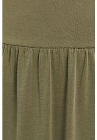 Pieces - Sukienka. Kolor: zielony. Materiał: dzianina. Długość rękawa: krótki rękaw. Wzór: gładki. Typ sukienki: rozkloszowane