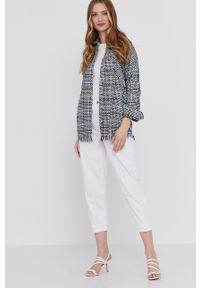 Białe jeansy loose fit Answear Lab wakacyjne
