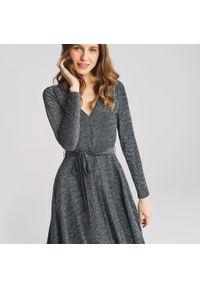 Srebrna sukienka House kopertowa