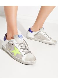 GOLDEN GOOSE - Sneakersy Superstar z neonową gwiazdą. Kolor: biały. Materiał: bawełna, guma, materiał, zamsz. Wzór: aplikacja