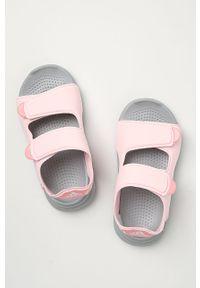 Różowe sandały Adidas na niskim obcasie, na rzepy, na obcasie