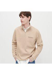 Reserved - Bluza ze stójką - Beżowy. Typ kołnierza: kołnierzyk stójkowy. Kolor: beżowy