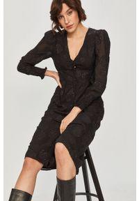 Czarna sukienka Answear Lab prosta, z długim rękawem, na co dzień, midi