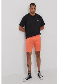 Levi's® - Levi's - T-shirt. Okazja: na spotkanie biznesowe. Kolor: czarny. Materiał: bawełna, dzianina. Wzór: gładki. Styl: biznesowy