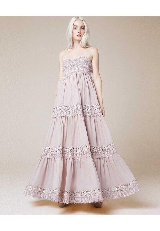 CHARO RUIZ IBIZA - Beżowa sukienka sukienka maxi Zoe. Okazja: na plażę, na imprezę, na spacer. Kolor: beżowy. Materiał: koronka, jeans. Sezon: lato. Typ sukienki: rozkloszowane, z odkrytymi ramionami. Długość: maxi