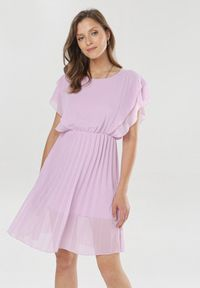 Born2be - Fioletowa Sukienka Charmer. Okazja: na wesele, na ślub cywilny, na randkę. Kolor: fioletowy. Materiał: materiał. Typ sukienki: plisowane. Długość: mini