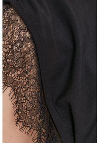 Nissa - NISSA - T-shirt. Okazja: na co dzień. Kolor: czarny. Materiał: dzianina, koronka. Wzór: gładki. Styl: casual