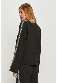 Hugo - Bluza bawełniana. Kolor: czarny. Materiał: bawełna. Długość rękawa: długi rękaw. Długość: długie. Wzór: aplikacja