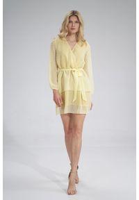 e-margeritka - Sukienka szyfonowa kopertowa wizytowa z falbanami żółta - m. Typ kołnierza: dekolt kopertowy. Kolor: żółty. Materiał: szyfon. Typ sukienki: kopertowe. Styl: wizytowy