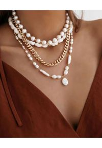 SELFIE JEWELLERY - Naszyjnik z naturalnych pereł Sorrento. Materiał: srebrne, pozłacane, z mosiądzu, złote. Kolor: biały. Kamień szlachetny: perła