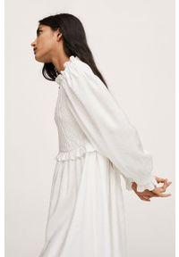 mango - Mango - Sukienka Paddy. Kolor: beżowy. Materiał: włókno. Typ sukienki: rozkloszowane