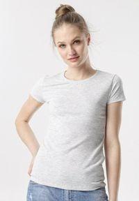 Born2be - Jasnoszary T-shirt Echolaira. Kolor: szary. Długość: krótkie. Styl: sportowy