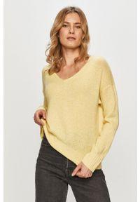 Jacqueline de Yong - Sweter. Kolor: żółty. Materiał: poliester. Długość rękawa: długi rękaw. Długość: długie