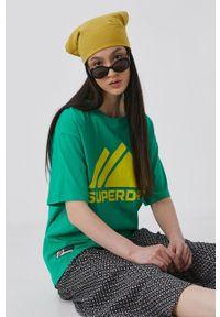Superdry - T-shirt bawełniany. Okazja: na co dzień. Kolor: zielony. Materiał: bawełna. Wzór: nadruk. Styl: casual