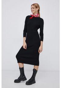 only - Only - Sukienka. Okazja: na co dzień. Kolor: czarny. Materiał: wiskoza, dzianina, materiał. Wzór: gładki. Typ sukienki: proste. Styl: casual