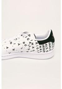 Białe buty sportowe adidas Originals na obcasie, na sznurówki, na średnim obcasie