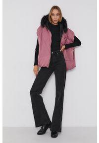 Armani Exchange - Bezrękawnik dwustronny. Kolor: różowy. Materiał: tkanina, futro. Długość rękawa: bez rękawów. Wzór: gładki