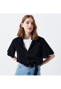 Cropp - Koszula z krótkim rękawem - Czarny. Kolor: czarny. Długość rękawa: krótki rękaw. Długość: krótkie