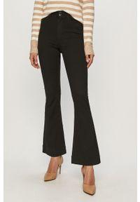 Czarne jeansy bootcut Vero Moda z podwyższonym stanem, gładkie
