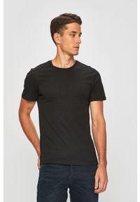 Czarny t-shirt Levi's® z okrągłym kołnierzem, w kolorowe wzory