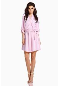 Lemoniade - Pudrowa Koszulowa Sukienka z Kopertowym Dekoltem. Materiał: poliester, elastan. Typ sukienki: kopertowe, koszulowe