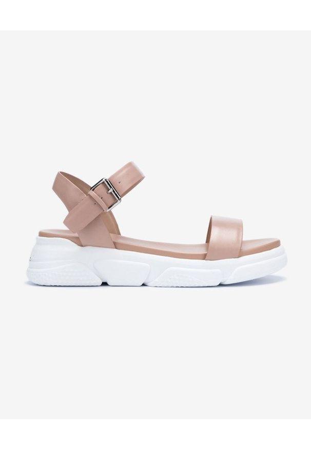 Różowe sandały Aldo w kolorowe wzory, z paskami