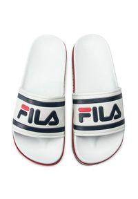 Fila - Klapki FILA - Morro Bay Zeppa Wmn 1010639.02P White/Stripe. Kolor: biały. Materiał: materiał. Sezon: lato