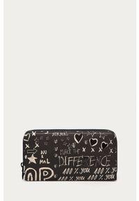 Czarny portfel Desigual