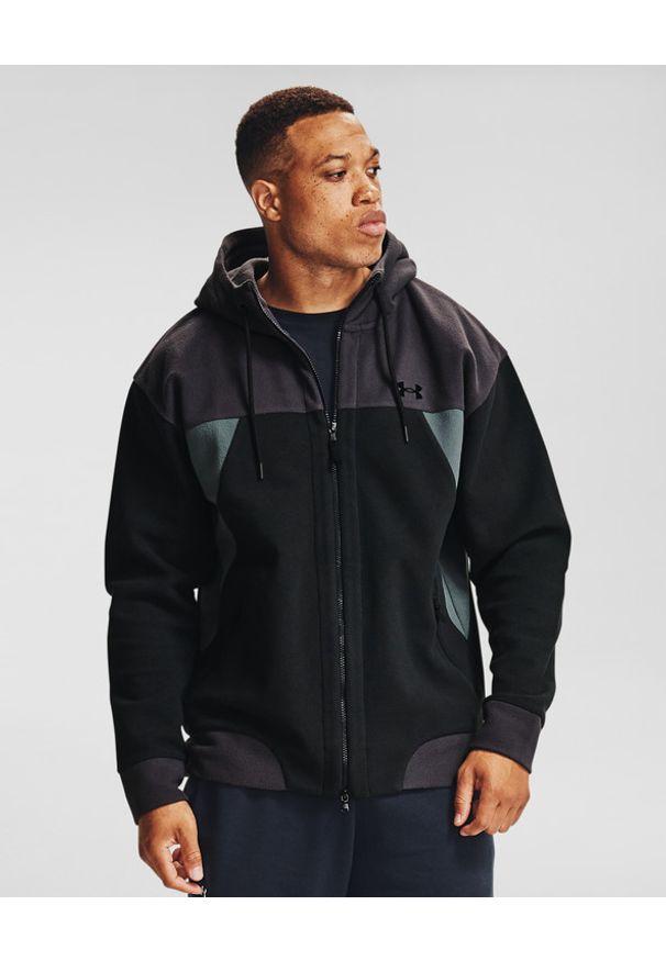 Czarna bluza Under Armour w kolorowe wzory, długa, z kapturem