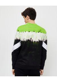 VALENTINO - Bluza Jelly Block VLTN. Kolor: czarny. Materiał: dresówka, bawełna. Długość rękawa: długi rękaw. Długość: długie. Wzór: aplikacja. Styl: klasyczny, sportowy