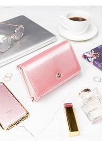 MILANO DESIGN - Stylowy portfel damski Milano Design różowy. Kolor: różowy. Materiał: skóra ekologiczna